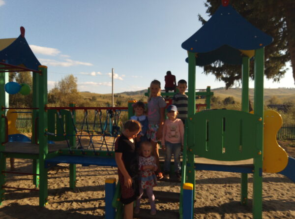 Детская площадка в с. Верхая